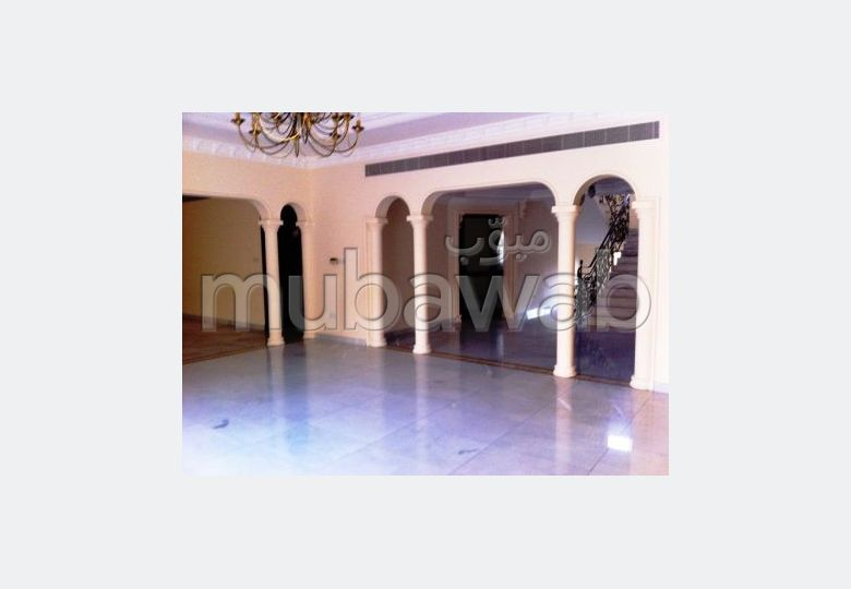 Semi furnished  5 BR apartment for rent in Saar