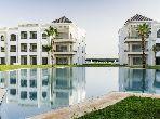 شقة مساحتها 247م²، مطبخ مجهز، مصعد، 5 غرف، بوسكورة