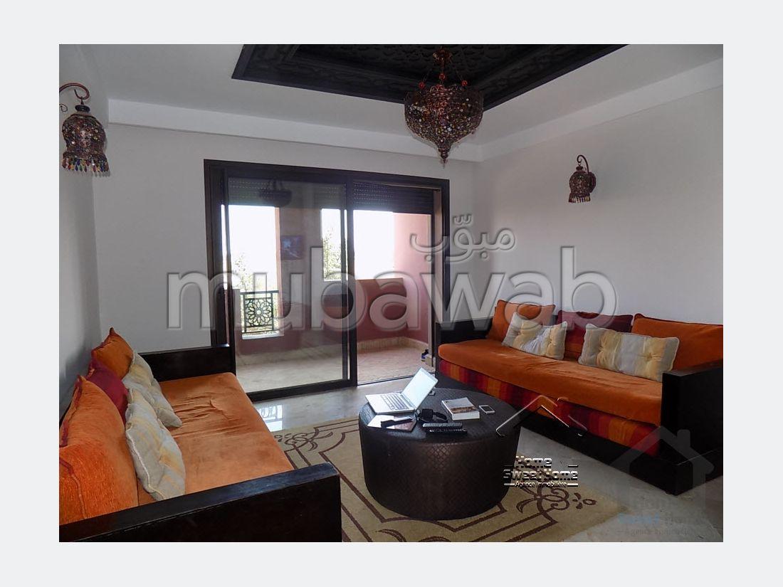 شقة رائعة للبيع بطريق الدارالبيضاء. المساحة الإجمالية 73 م². موقف سيارات ومصعد.