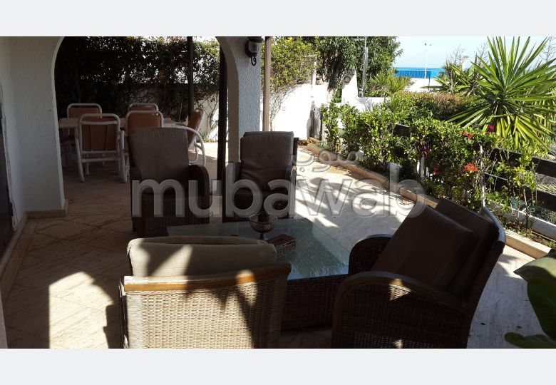 Luxury Villa for rent. 6 large rooms. Furnished.