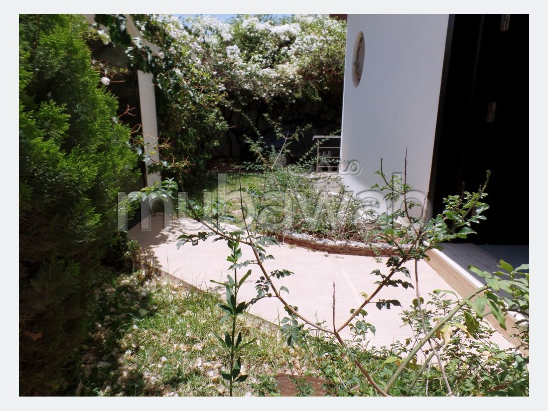 Belle villa trois façades à Drarga
