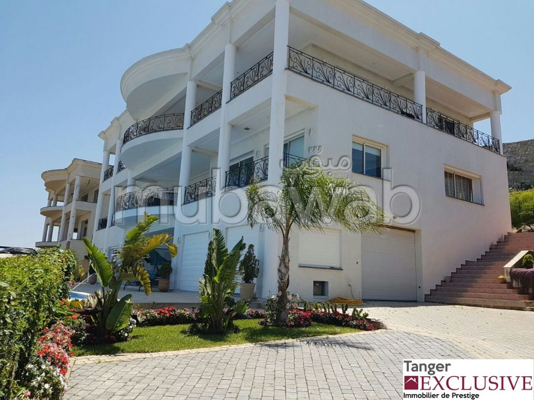 Luxury Villa for rent in manar. 10 Common room. Furnished.