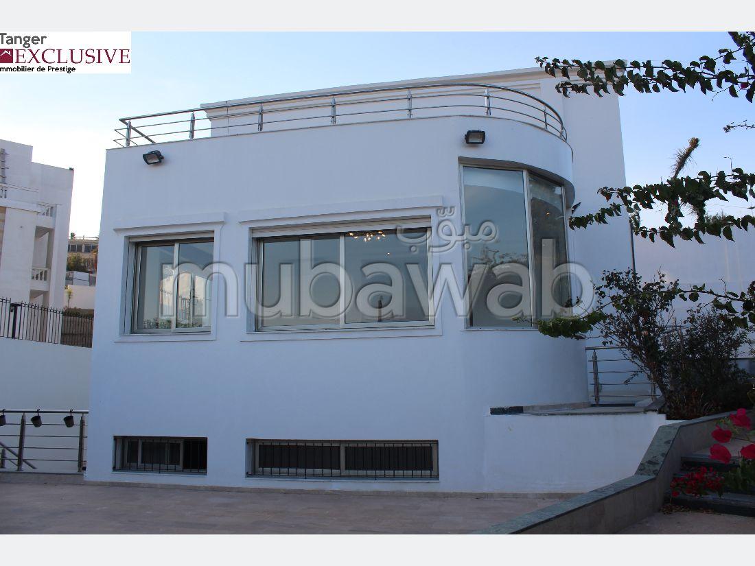 فيلا مساحتها 300م²، شرفة، مكيف، 7 غرف، طنجة المدينة