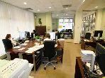 مكتب مساحته 81م²، شرفة، حديقة، جيليز