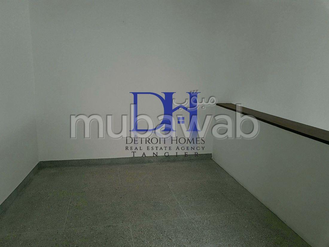 شقة مساحتها 130م²، 6 غرف، طنجة المدينة