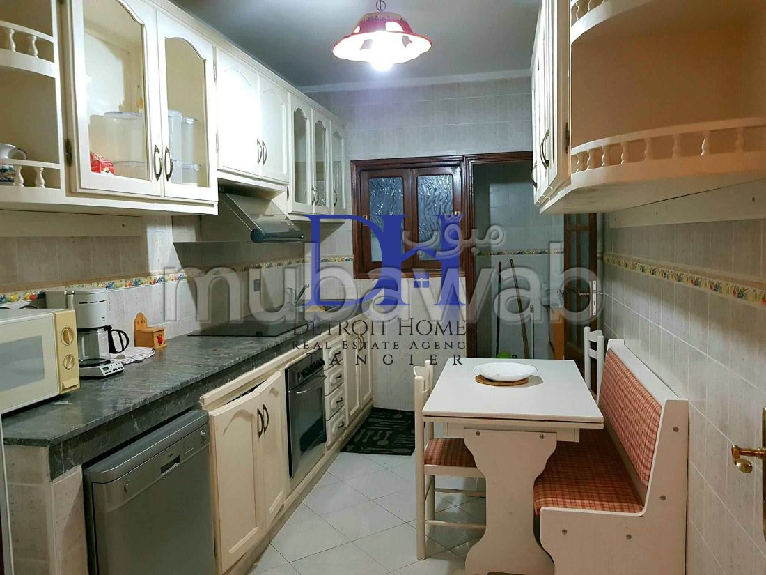 شقة مساحتها 134م²، مفروشة، 5 غرف، طنجة المدينة