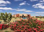 Très jolie villa route du lac, 551 m2,1 hectare, 5 ch, piscine 23×6, face à l'Atlas à 15 minutes de Marrakech
