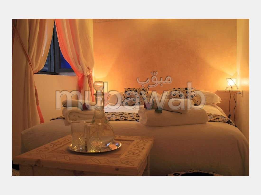 Riad for sale. 6 Small bedroom. Functional fireplace.