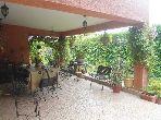 فيلا رائعة للبيع ب بئر الرامي الشرقية. 3 غرف رائعة. حديقة وشرفة.