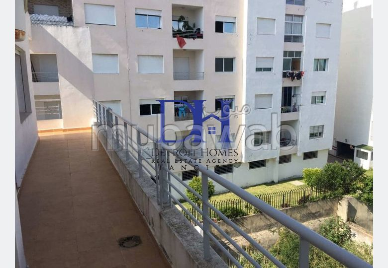 Apartment for sale in Marjane. 2 Large room. Large balcony.