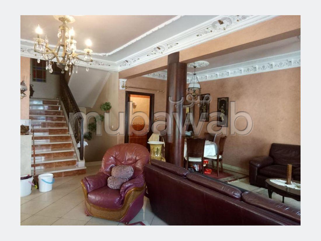 Encuentra tu próxima casa en Laymoune. Superficie 309 m². Chimenea operativa, aire condicionado integrado.