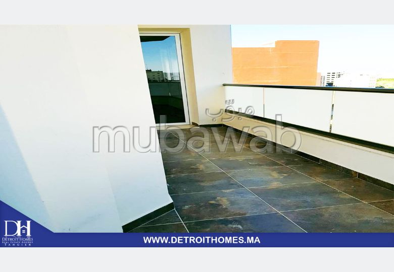 Se vende piso. Superficie 78 m².