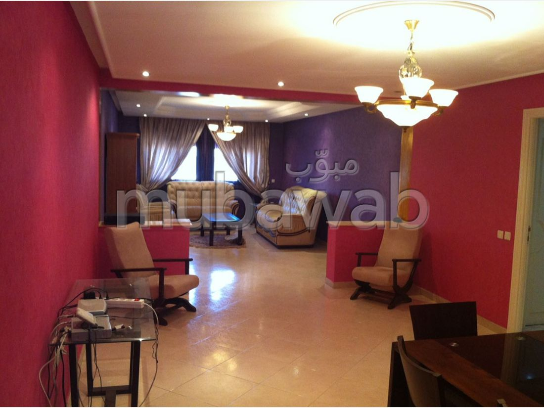 Fabulous apartment for sale in Centre. 5 Rooms. Reinforced door, security.