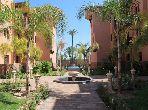 Piso en venta en Guéliz. 2 Sala. Residencia con piscina, aire condicionado integrado.