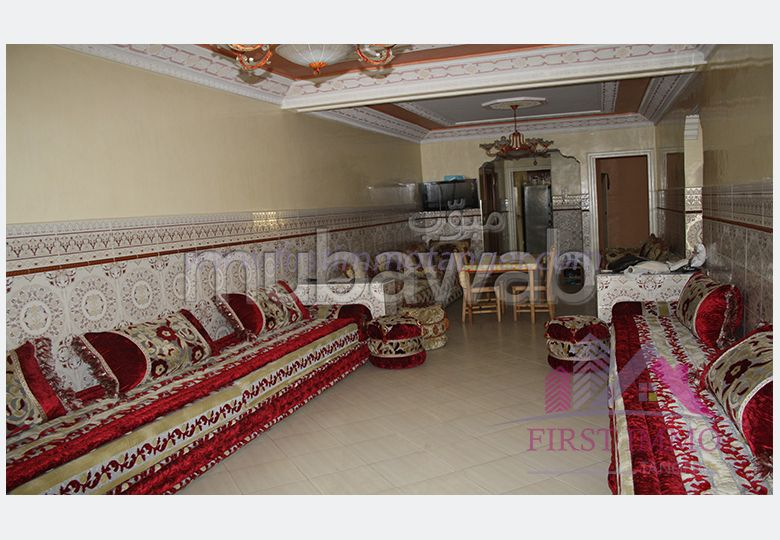 Piso en venta in Centre. Superficie 122 m². Salón marroquí tradicional, residencia segura.