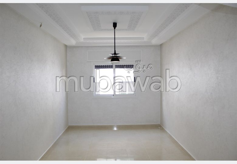 Sell apartment in Ahlane. 3 beautiful rooms. With lift.