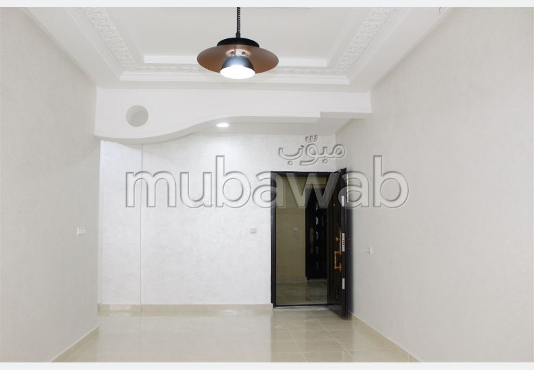 Find an apartment to buy in Ahlane. 4 rooms. No Lift.