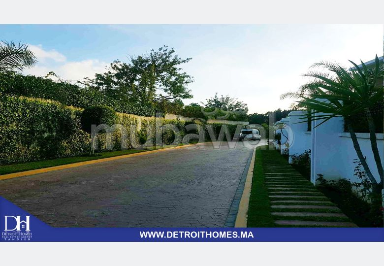 Luxury home for sale. 3 Room. Private garden, Cellar.