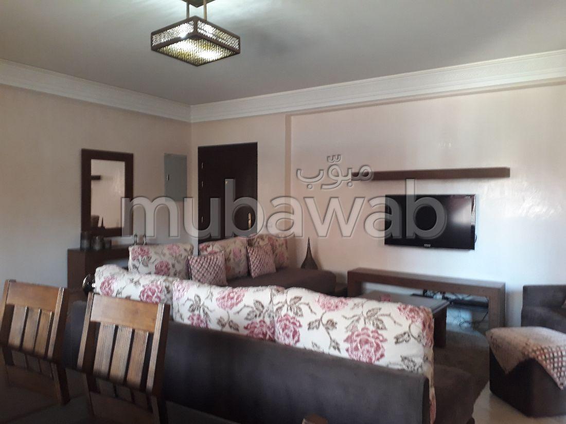 شقة مساحتها 90م²، مفروشة، مطبخ مجهز، غرفتين، طريق اكادير-الصويرة