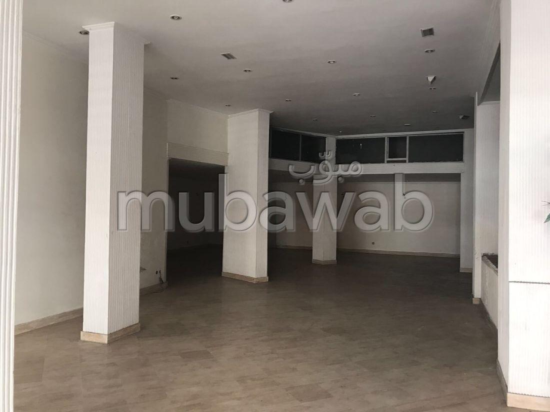 Bureaux & commerce de 171m², Maârif