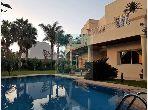 فيلا مساحتها 724م²، مطبخ مجهز، شرفة، 10 غرف، عين الشق
