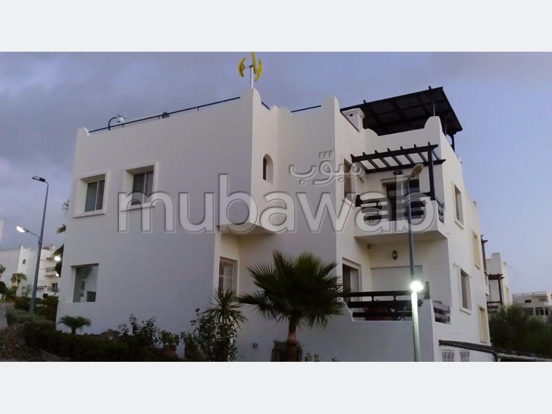 فيلا مساحتها 300م²، مطبخ مجهز، شرفة، 5 غرف، طنجة المدينة