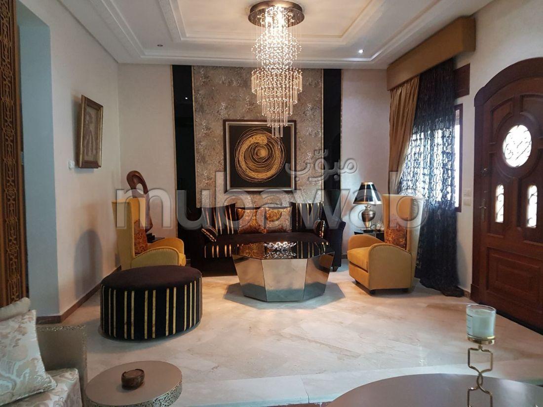 فيلا مساحتها 100م²، مطبخ مجهز، شرفة، 3 غرف، طنجة المدينة