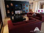 Bonito piso en alquiler. Gran superficie 220 m². Estacionamiento privado.