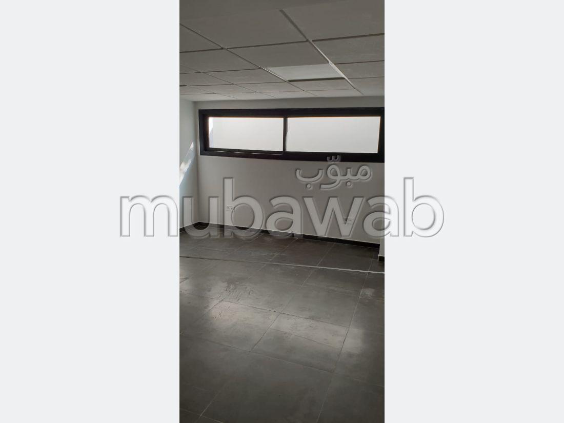 Plateaux de bureau en location