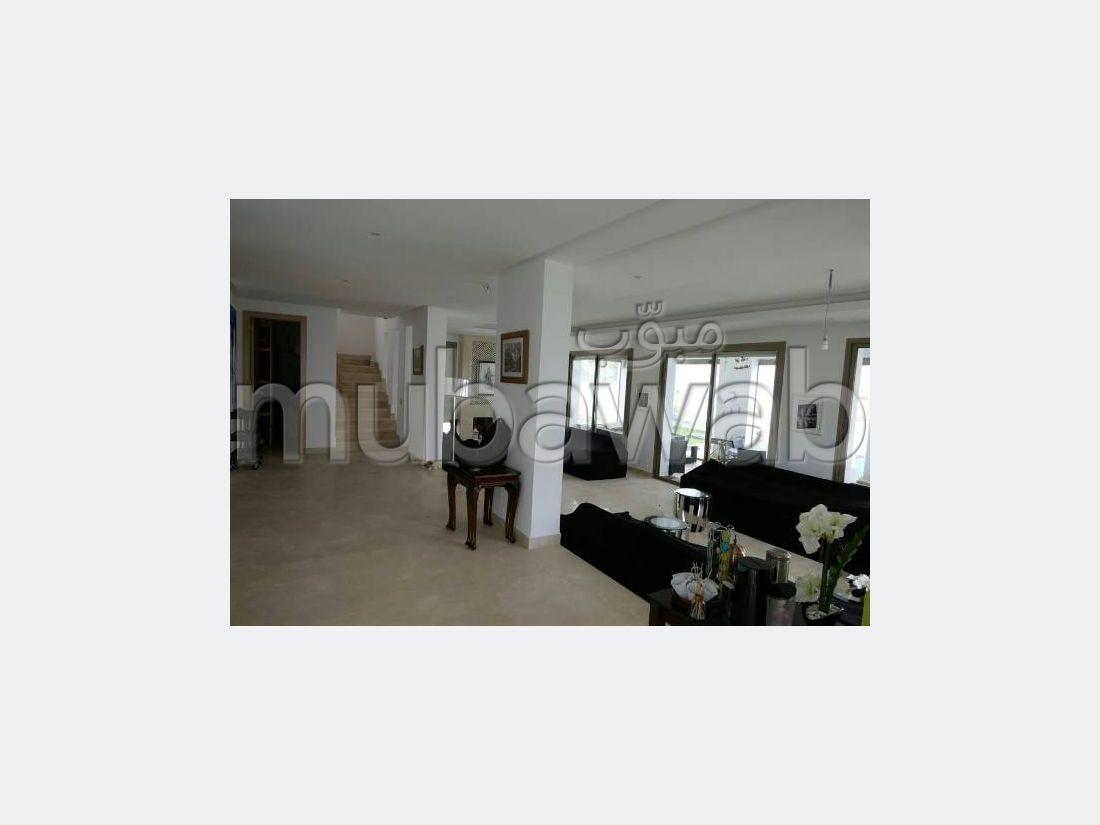 فيلا، مطبخ مجهز، مسبح، 7 غرف، القنيطرة