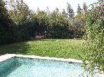 Suntuosa villa en alquiler. 3 dormitorios. Jardineras, Gran terraza.
