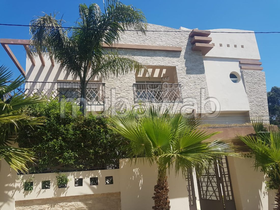 Fabulous house for sale in Jbel Kbir. 8 living areas. caretaker service available, General air conditioning.