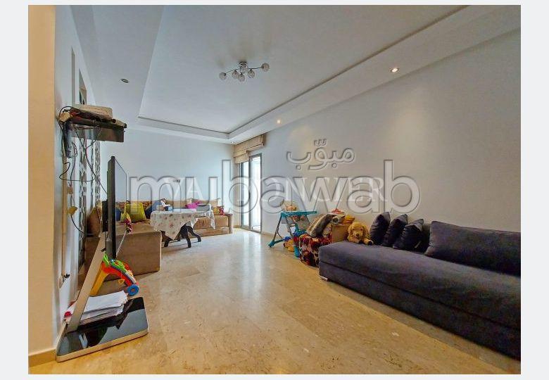 شقة مساحتها 110م²، مطبخ مجهز، شرفة، سيدي بليوط