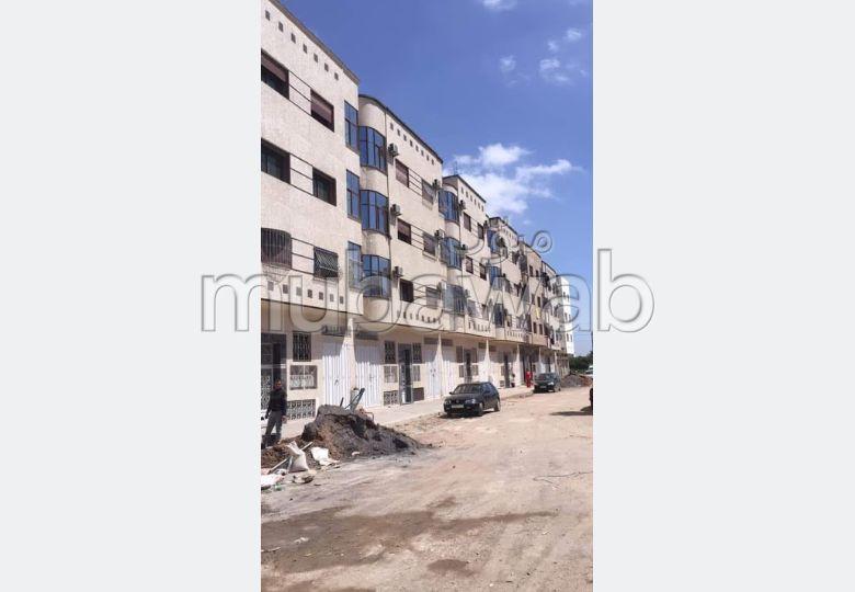 شقة للبيع في تجزئة اكدال سيدي مومن في الطابق 3