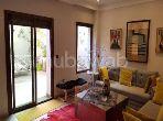 شقة مساحتها 130م²، مفروشة، شرفة