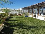 Location bel espace de vie haut standing avec terrasse et veranda