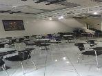 Oficinas y locales comerciales en venta. Área total 195 m². Balcón grande.