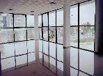 Oficinas en alquiler. Pequeña superficie 100.0 m². Aislamiento acústico, puerta de seguridad.