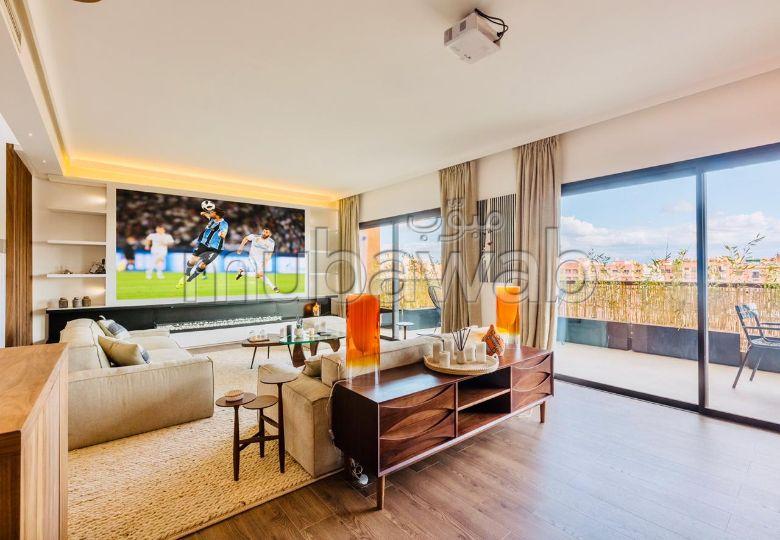 شقة مساحتها 140م²، مفروشة، مطبخ مجهز، 5 غرف، جيليز