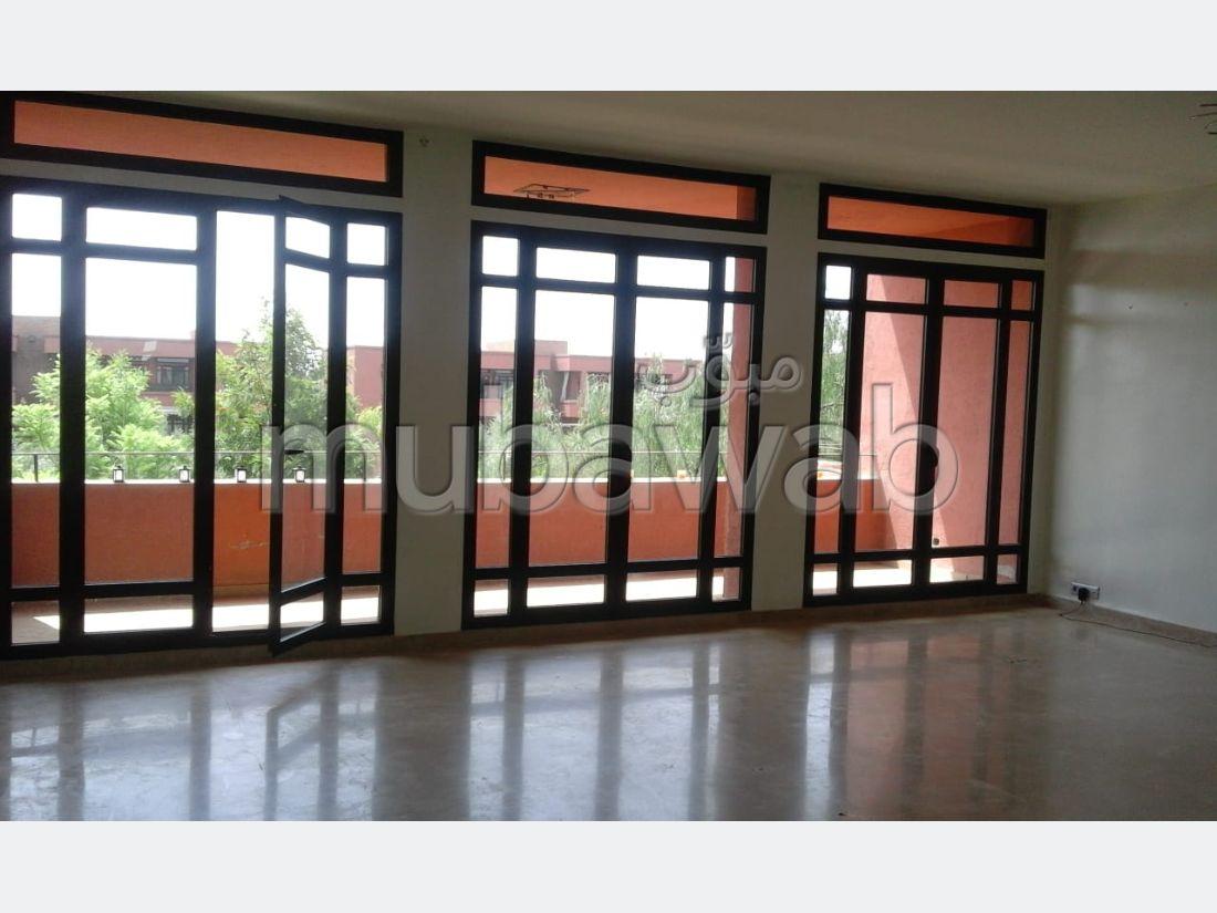 شقة مساحتها 125م²، شرفة، مصعد، 3 غرف، النخيل