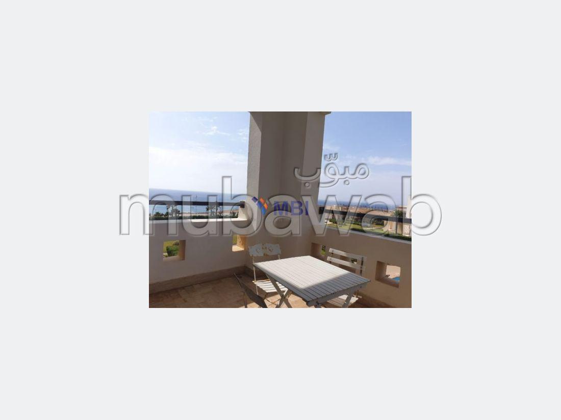 شقة مساحتها 160م²، مفروشة، شرفة، 3 غرف، طنجة المدينة
