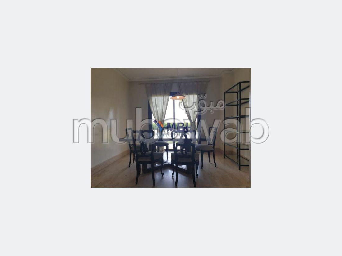 شقة مساحتها 160م²، مفروشة، شرفة، طنجة المدينة