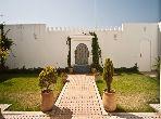 Lujosa villa en alquiler en De La Plage. Pequeña superficie 250 m². Amueblada.