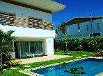 Belle villa vide sur golf cgi