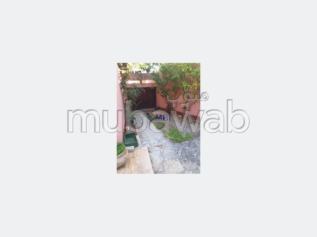 فيلا مساحتها 400م²، شرفة، حديقة، طنجة المدينة