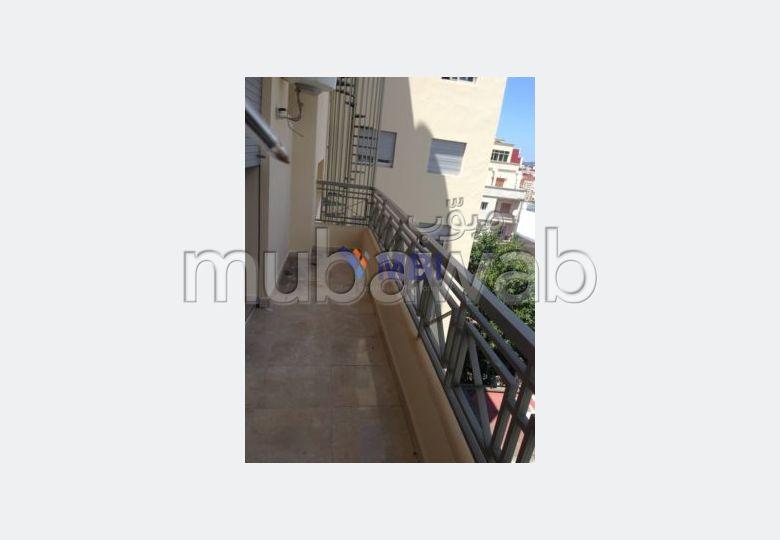شقة مساحتها 110م²، مصعد، الشرف السواني