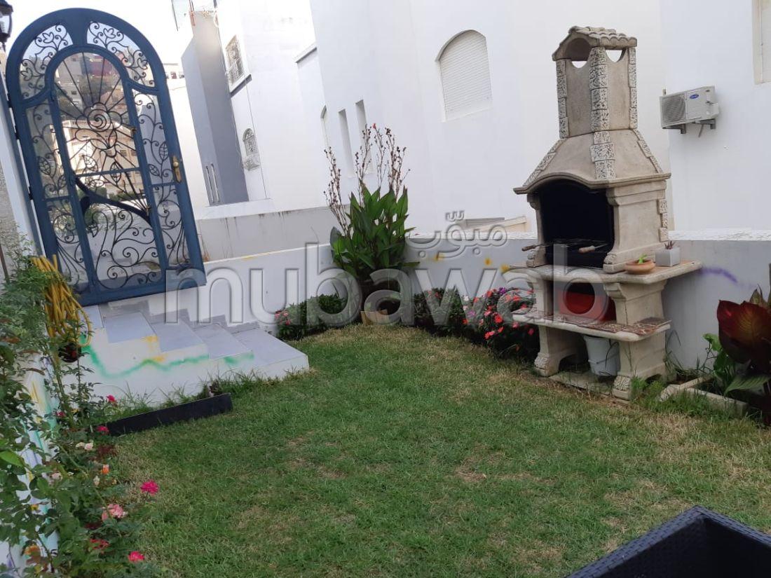 Magnífica villa en venta en Cap Spartel. 4 Dormitorio. Jardín y garaje.