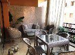 شقة مساحتها 100م²، مطبخ مجهز، شرفة، جيليز
