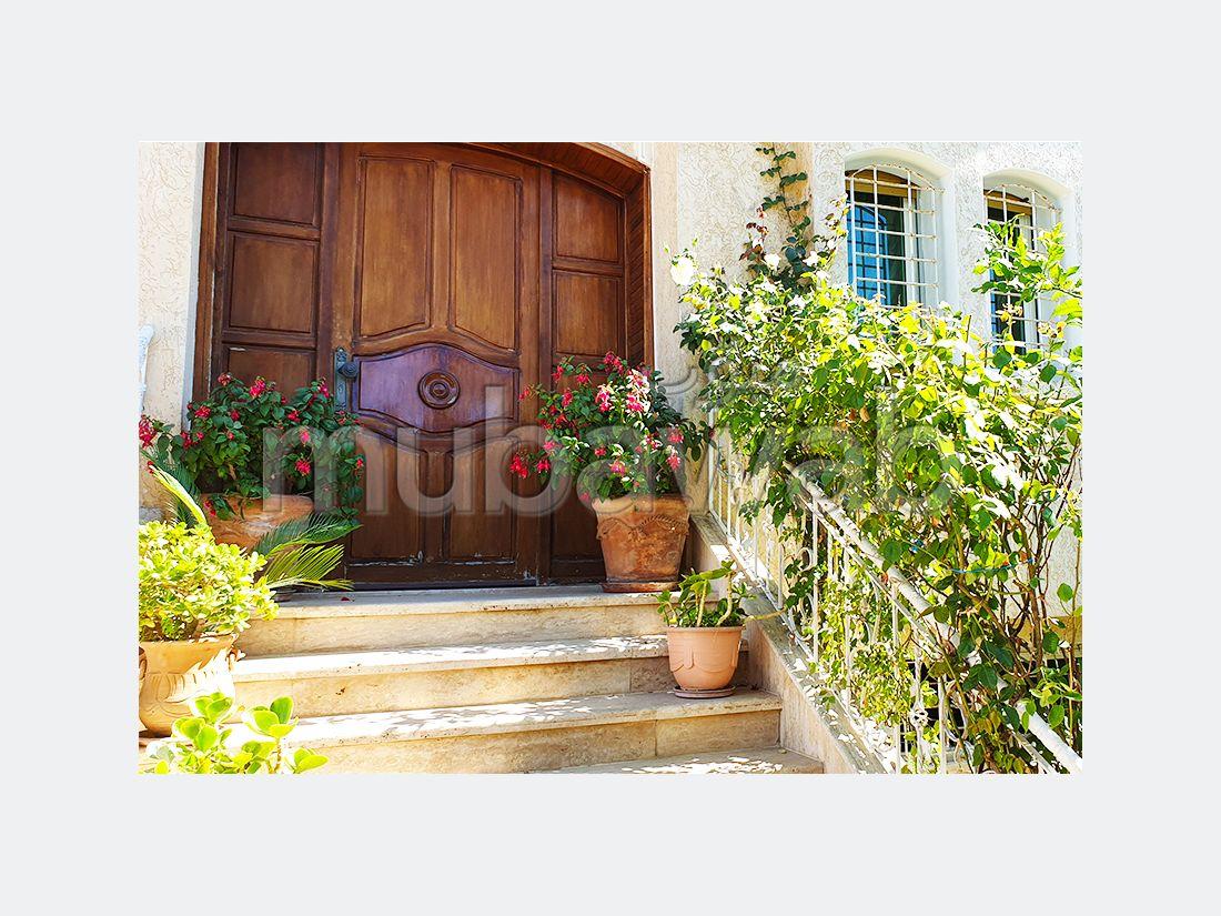 فيلا مساحتها 211م²، مطبخ مجهز، شرفة، 6 غرف، القنيطرة