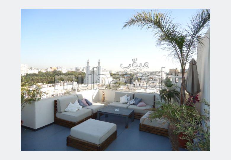 شقة للبيع بغوثي. المساحة الكلية 260 م². منظر جبلي استثنائي ، تدفئة مركزية.